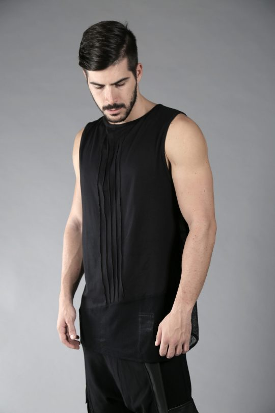 Men loose tank top perfect for the summer party's & festivals.