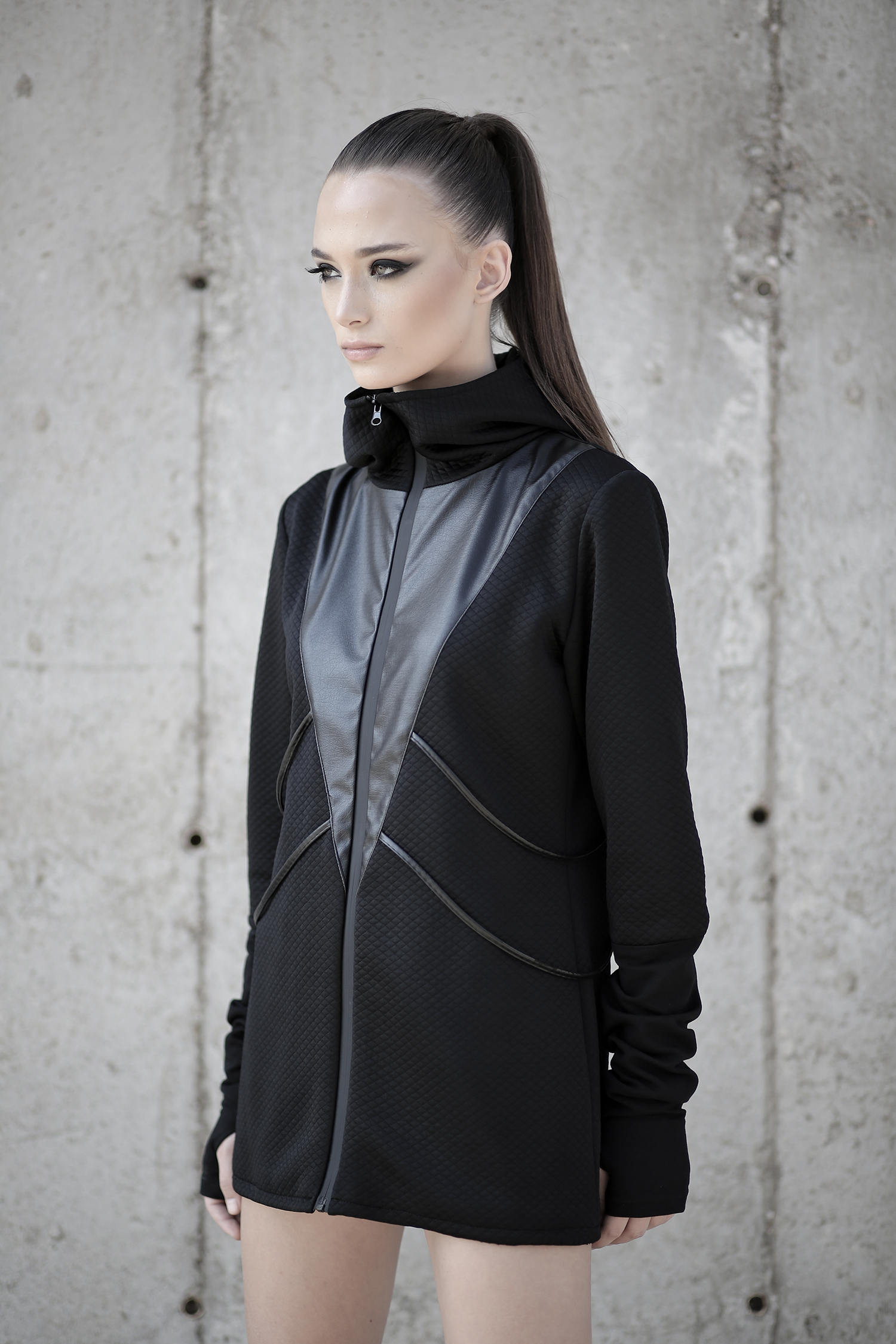 Women jacket designed with faux leather and lining. No pockets. Its fashion-forward look and alternative style help women stand out.